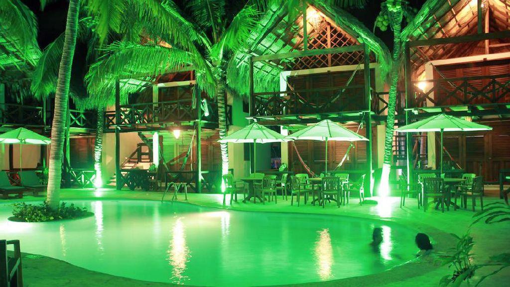 Khusus Dewasa, Hotel Bugil di Meksiko
