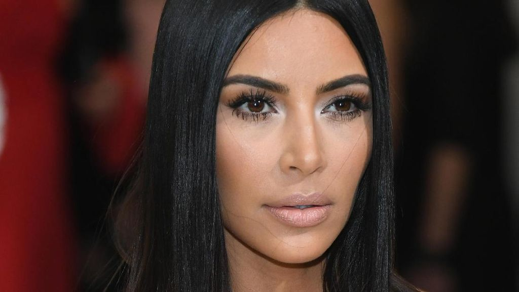Tubuh Sexy Kim Kardashian dan Iklan Jadul Makanan di Indonesia