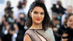 Penampilan Berisiko Kendall Jenner Hampir Tanpa Busana