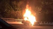Ada Mercy Terbakar di KM 17 Tol Lingkar Dalam Jakarta Arah Pluit