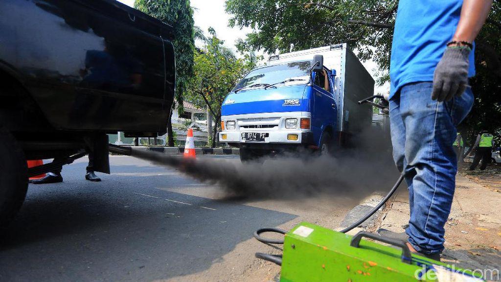 Wah, Mobil Bensin Emisinya 5x Lebih Banyak Dibanding Diesel
