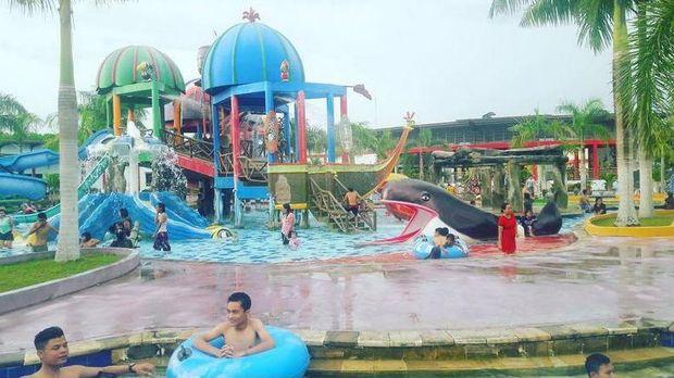 Salah satu wahana di waterpark (kalawa_waterpark_pky/Instagram)