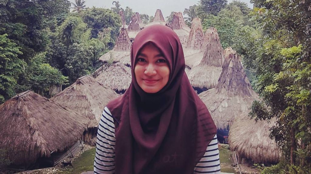 Berawal dari Model Hijab, Wanita Cantik Asal Cilacap Ini Jadi Mualaf