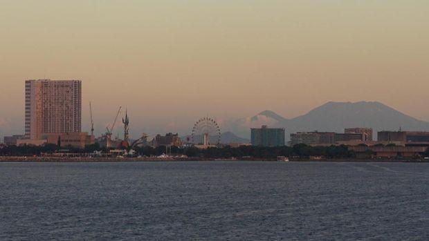 Lanskap sunset Manila dari atas cruise (Masaul/detikTravel)