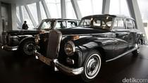 Melihat Koleksi Museum Mercedez Benz