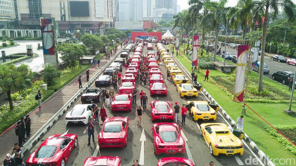 Ketika Ferrari Kuasai Jalanan Ibukota