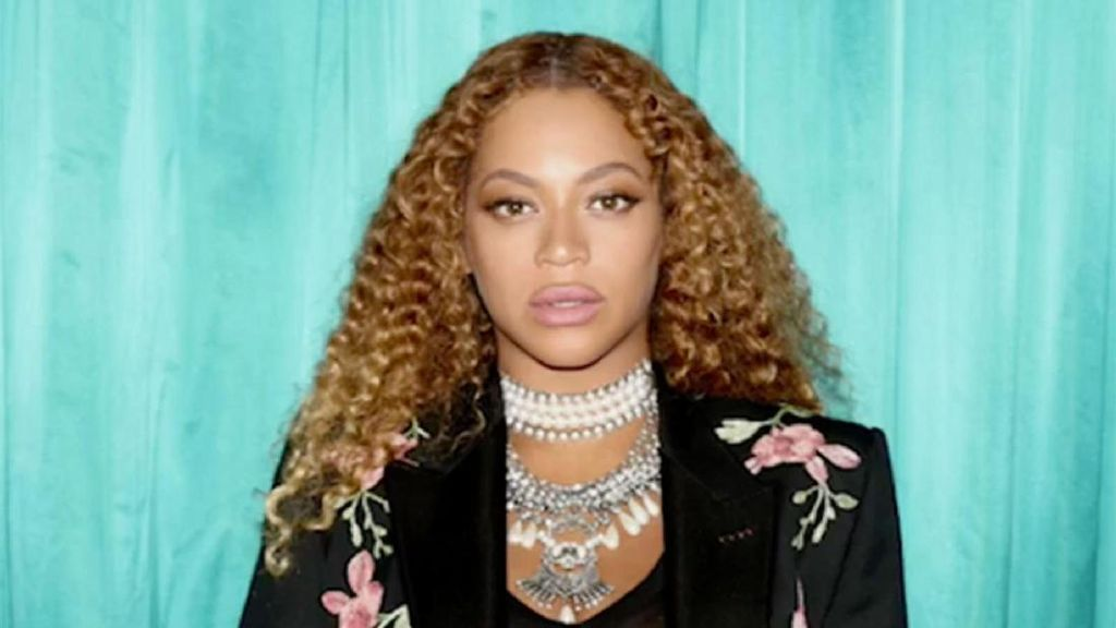 Foto: Penampilan Rp 100 Juta Beyonce Nonton Pertandingan Basket