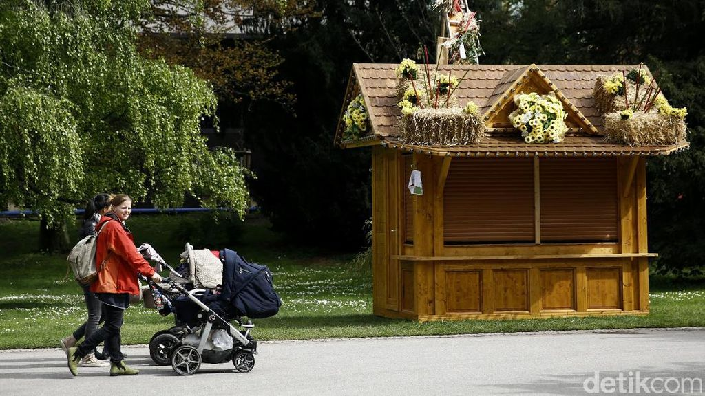 Menikmati Sore Di Taman Stuttgart Schlossgarten