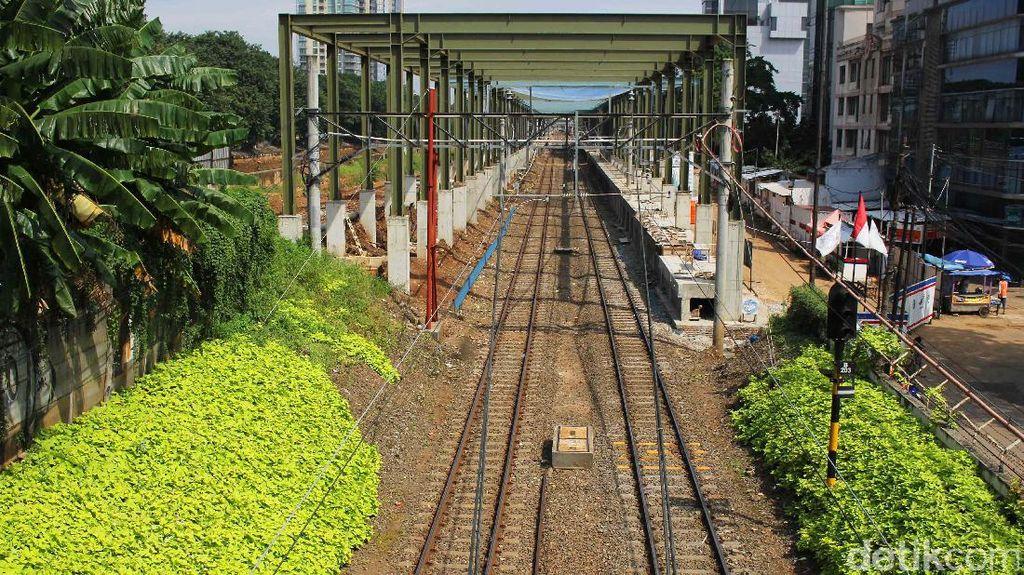 Pengoperasian Kereta Bandara Soekarno-Hatta Molor