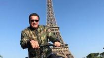 Aksi Kocak Schwarzenegger Mengganggu Turis Thailand di Paris