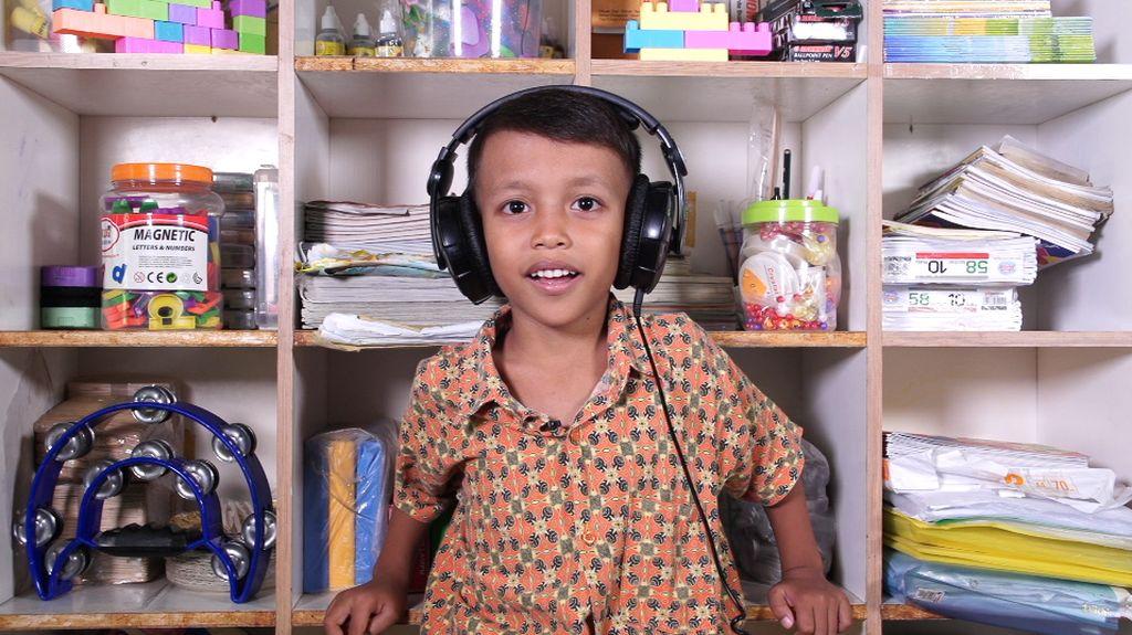 Video: Lagu Anak Vs Dewasa, Mana yang Lebih Familiar untuk Anak?