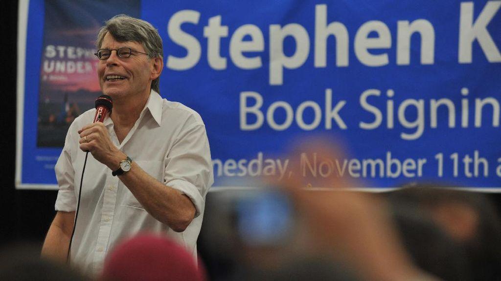 Stephen King Temukan Inspirasi Cerita Baru dari Sosok Donald Trump