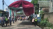 Ganggu Lalin, Tenda Kawinan Warga di Tangerang Dipindah Polisi