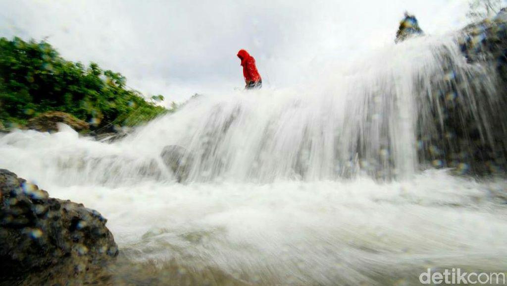 Liburan Ke Aceh, Nikmati Segarnya Air Terjun Rayap