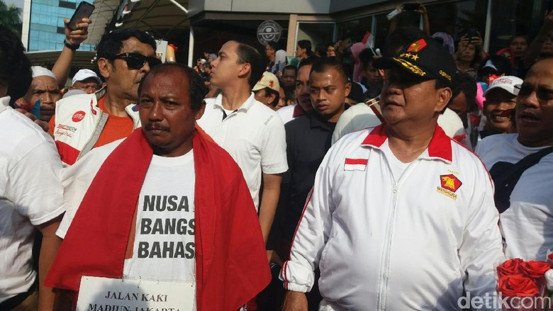 Jalan Kaki Dari Madiun, Eko Disambut Prabowo