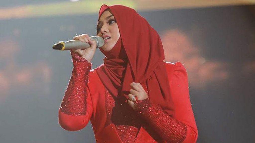 Shila Amzah, Hijabers Cantik Malaysia yang Viral karena Cover Lagu K-pop