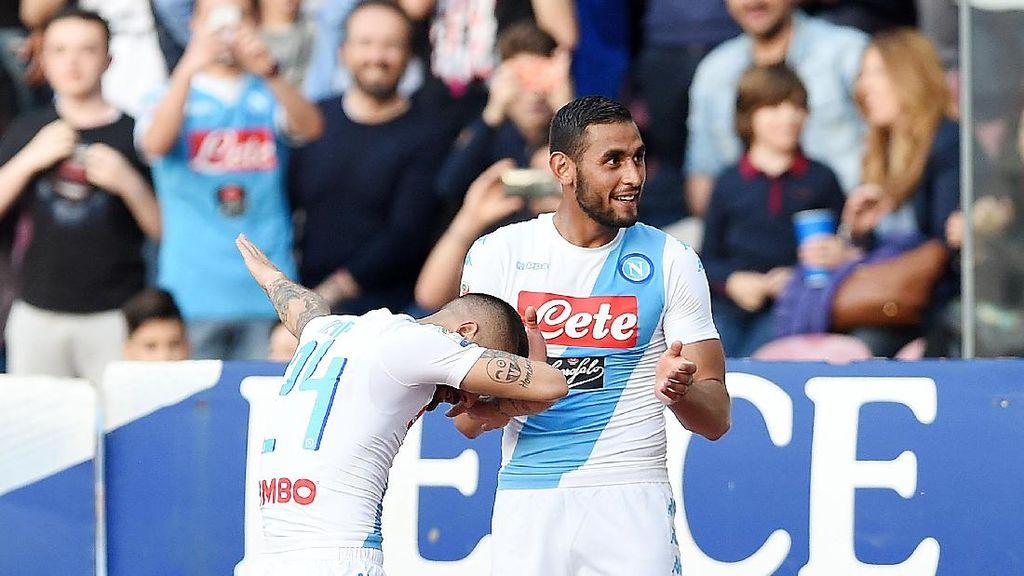 Dries Martens Dua Gol, Napoli Kalahkan Cagliari 3-1