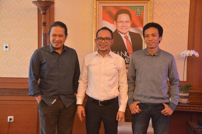 Menteri Ketenagakerjaan Hanif Dhakiri (tengah) bersama Noe. Foto: Kemnaker