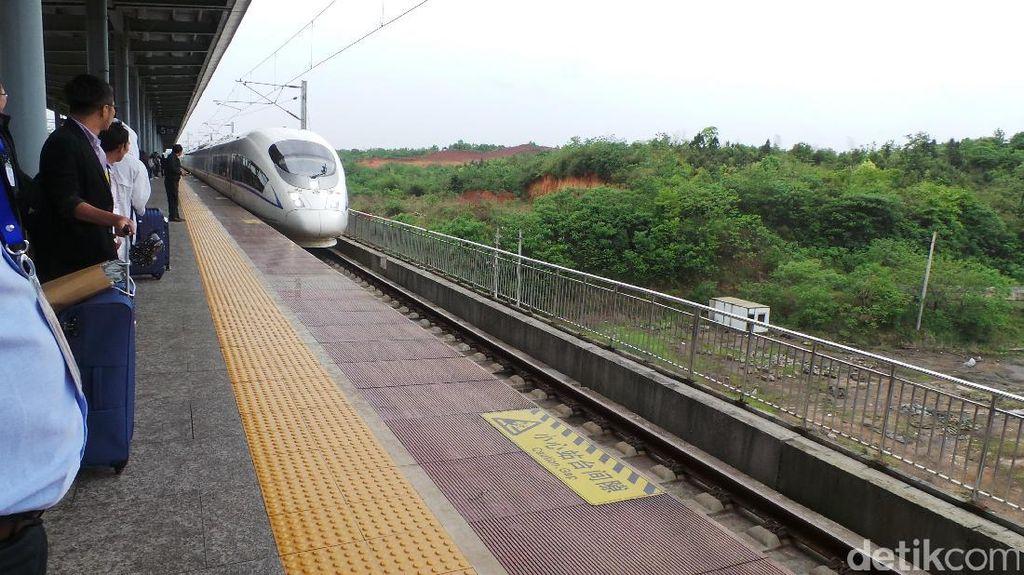 Nilai Investasi Proyek Kereta JKT-SBY Masih Dihitung