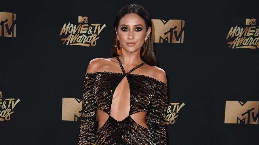 Penampilan Cantik dan Seksi Para Seleb di MTV Movie and TV Awards