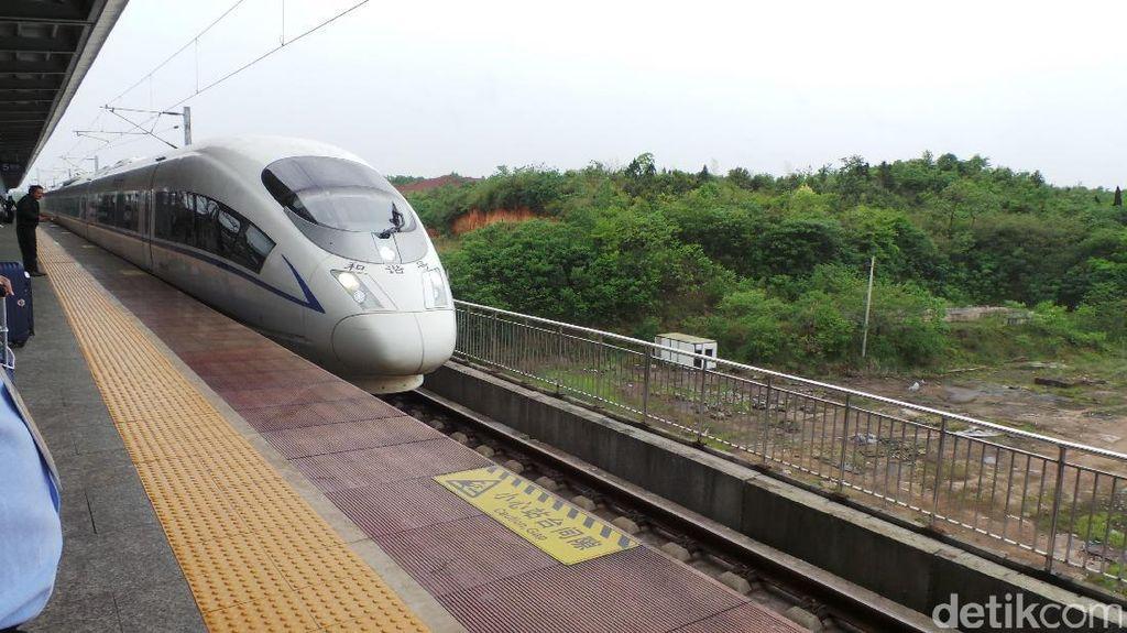 Menjajal Kereta Cepat di China, Jarak 360 Km Hanya 2 Jam