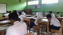 Kelas Terbakar, Siswa Mts As-Sururon Garut Tetap Laksanakan Ujian