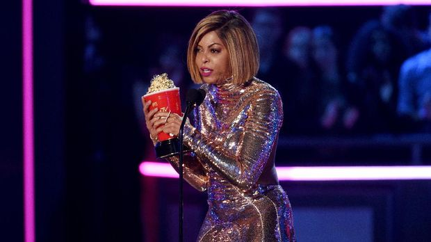 Taraji P. Henson saat meraih piala MTV Movie and TV Awards 2017