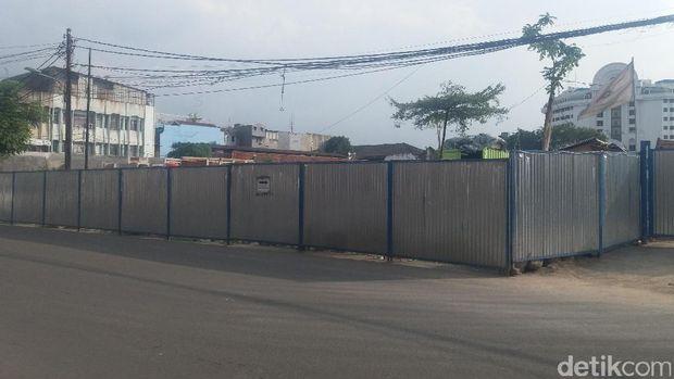 Pembangunan lokasi PKL di Jalan Cengkeh, Kota Tua.