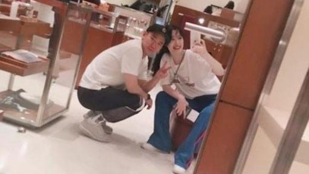 Baru Pacaran Dua Bulan, Sulli dan Kim Min Jun Putus