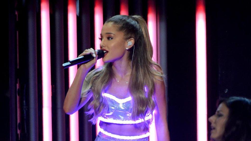 Sejumlah Penonton Hilang di Konser Ariana Grande Pasca Ledakan