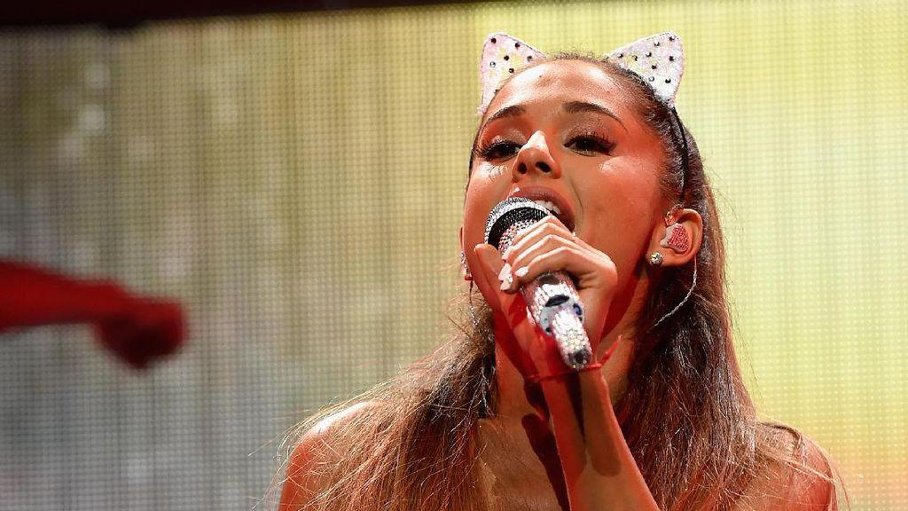 Pasca Ledakan di Konsernya, di Mana Ariana Grande Sekarang?
