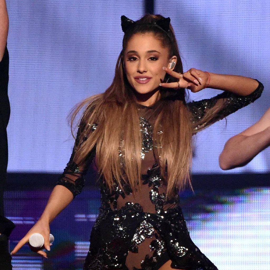 Ibunda Ariana Grande Membantu Penonton Selamat dari Serangan Bom