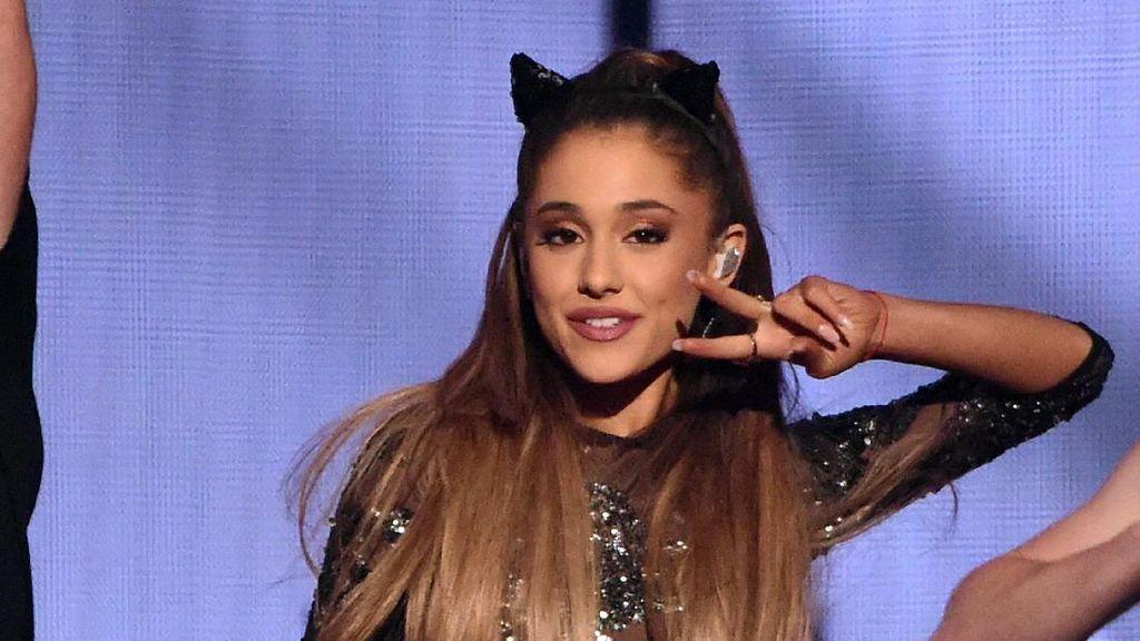 Terjadi Ledakan di Tempat Konsernya, Netizen Doakan Ariana Grande