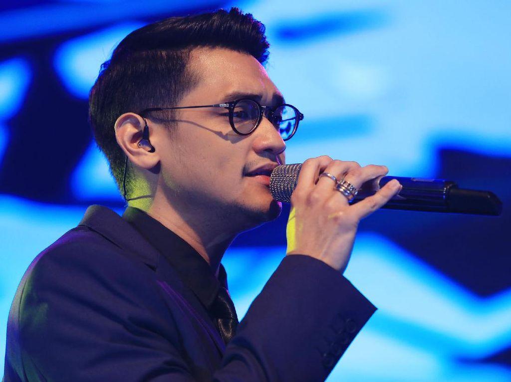 Afgan Curhat ke Rossa Soal Insiden Diusir dari Panggung Prambanan Jazz