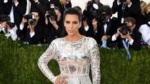 Kim Kardashian Beli Jam Tangan Rp 5,2 M Peninggalan Jackie Kennedy