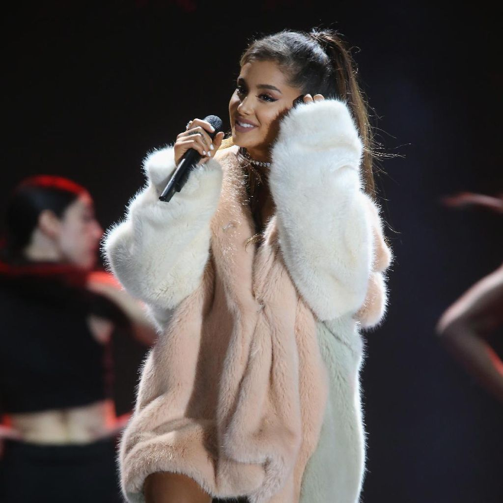 Pasca Insiden Ledakan, Ariana Grande dan Manchester Trending di Twitter