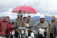 Jokowi Ngetrail di Trans Papua
