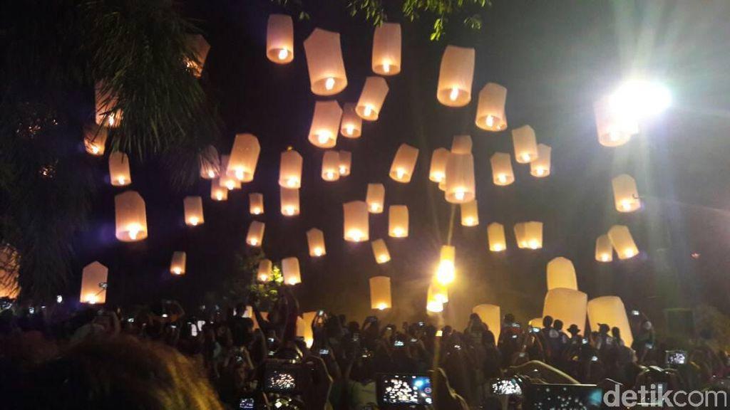 Pelepasan Lampion Nan Syahdu di Borobudur