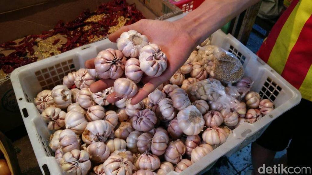 Curhat Pedagang di Cilegon, Bawang Putih Naik Hingga Rp 50.000/Kg