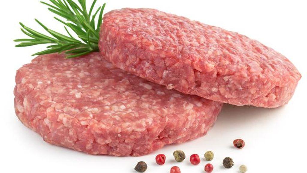 Ini Alasan Daging Patty Burger Mentah Sebaiknya Tidak Ditaruh di Suhu Ruang