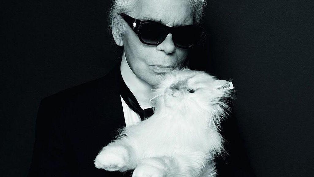 Karl Lagerfeld Jual Boneka Mirip Kucingnya Seharga Rp 7,2 Jutaan