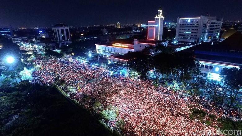 Risma Tak Ikut Aksi 1.000 Lilin di Tugu Pahlawan, Ini Alasannya