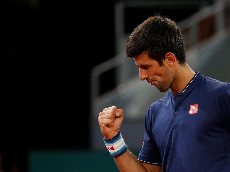 Nishikori Mundur, Djokovic Maju ke Semifinal