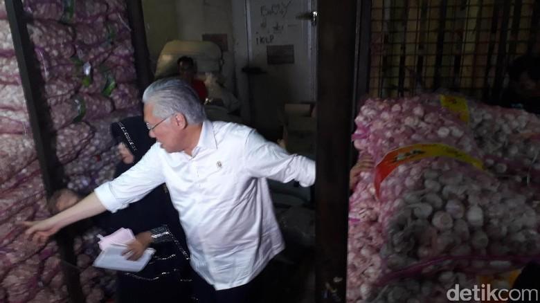 7.672 Ton Bawang Putih Masuk ke Jakarta Hingga Surabaya Bulan Ini