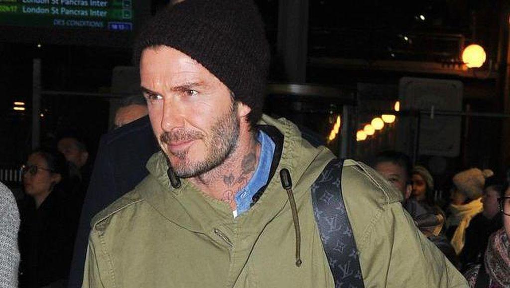 Foto: David Beckham Sampai Kanye West, Seleb Berjaket Militer ala Jokowi