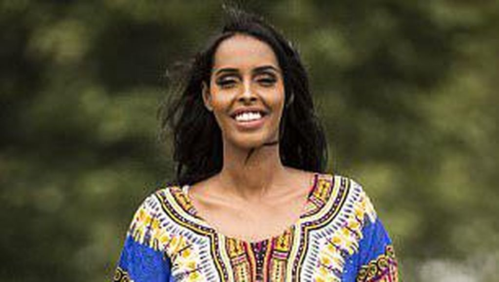 Foto: Ini Wanita yang Akan Pakai Kaftan di Sesi Baju Renang Miss Universe