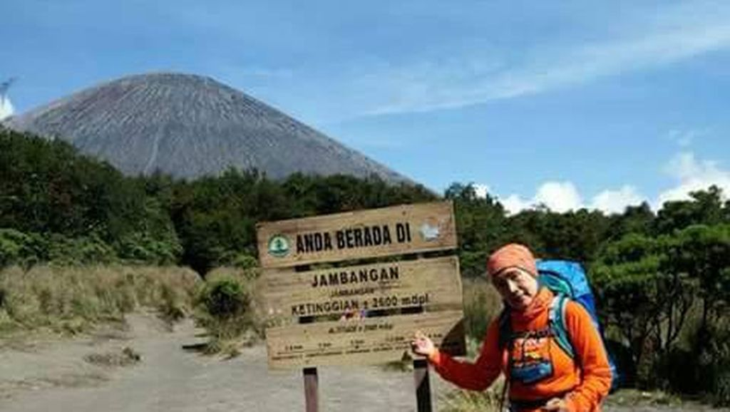 Pendakian Semeru Merupakan Impian Anthina yang Terwujud