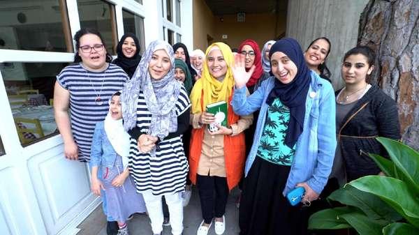 Dakwah Muslimah Italia: Kelas Henna hingga Kampanye Salat Subuh