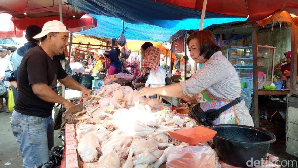 Harga Bahan Pangan Merangkak Naik di Palembang