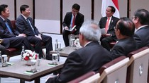 Bertemu Rektor Universitas Tsinghua, Jokowi Bahas Kerja Sama Iptek